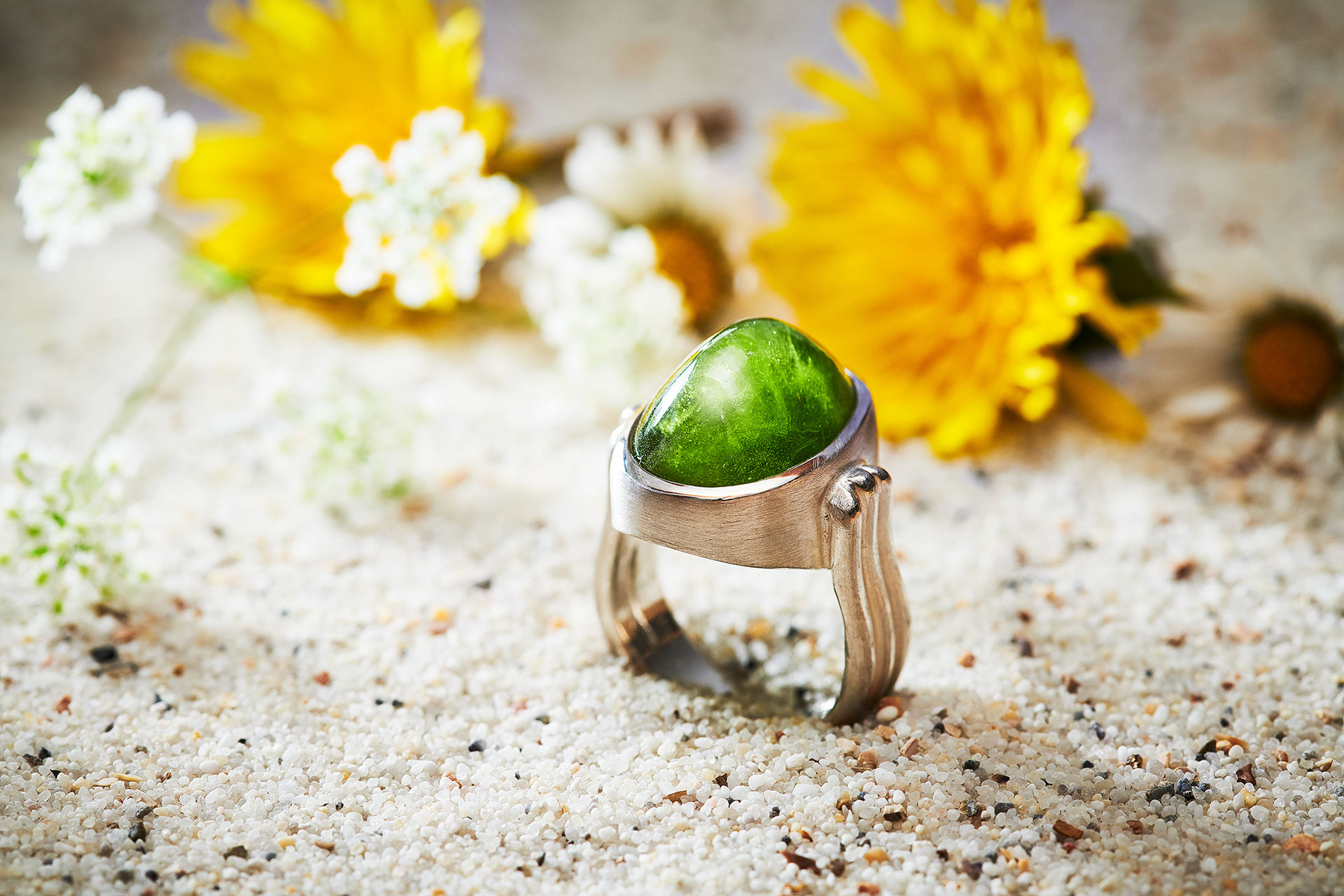 Ring in 925/000 Silber mit Peridot