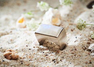 Ring in 925/000 Silber mit Labradorit